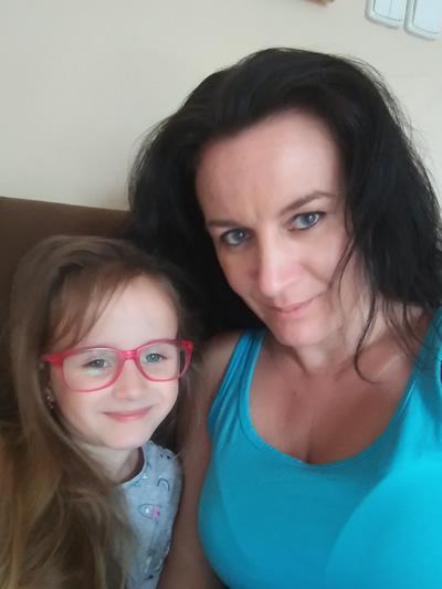 Šťastná mama s dcérkou Diankou