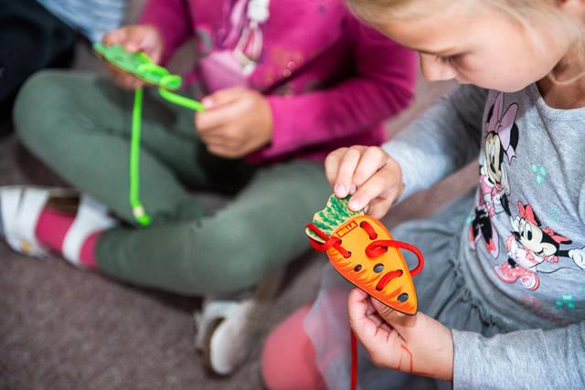 Každá škôlka dostane sadu hračiek na rozvoj zraku.